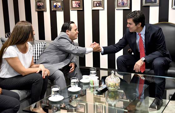 Bienvenida a Juan Pablo Reyes del gobernador de Salta Juan Manuel Urtubey. Foto: Prensa Salta