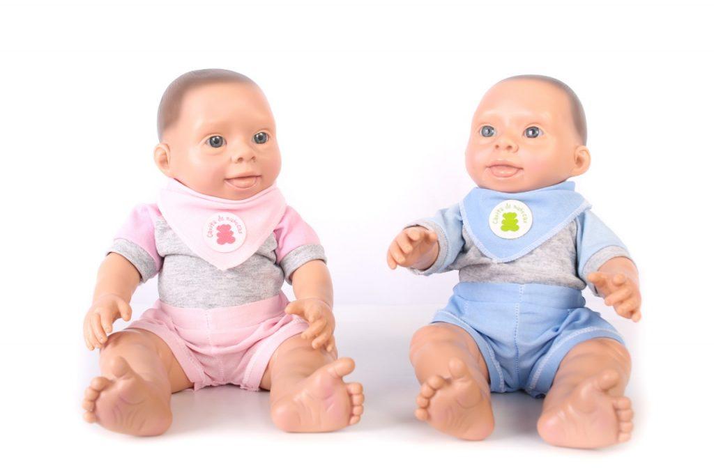 Oli, el primer muñeco bebé con síndrome de Down en la Argentina