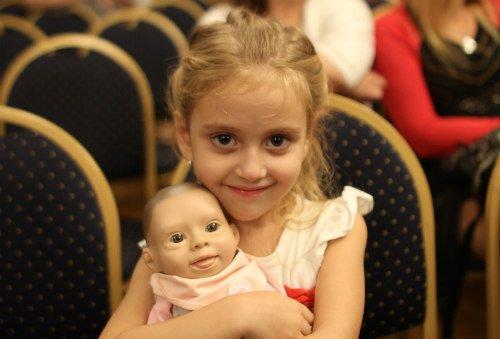 Oli, muñeca bebé con síndrome de Down